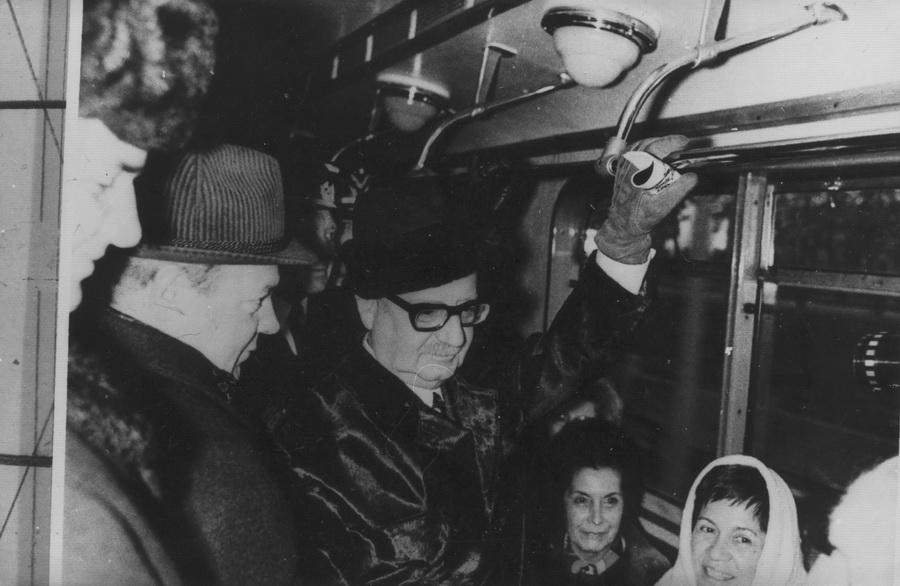 Сальвадор Альєнде у вагоні Київського метрополітену